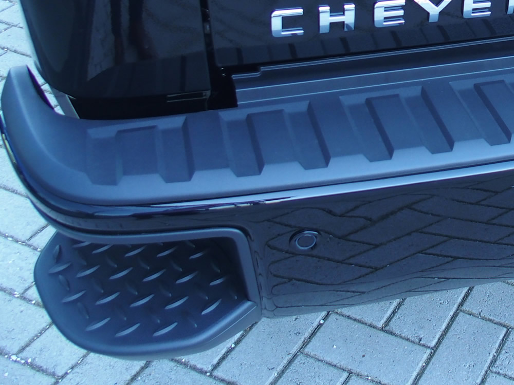 Chevrolet Silverado High Country STEP-UP
