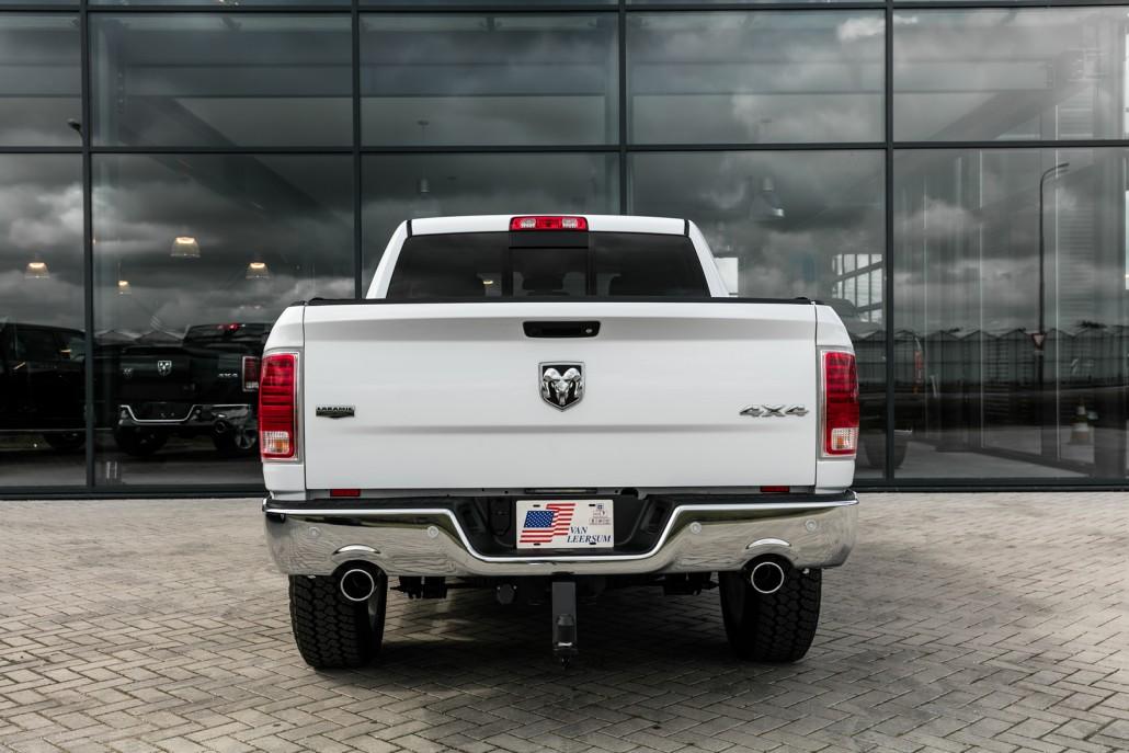 Dodge Ram 1500 Laramie dubbele uitlaat stukken